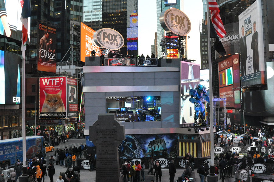 Times Square, NY / Temporary Superbowl Studio (Mountain Truss System)