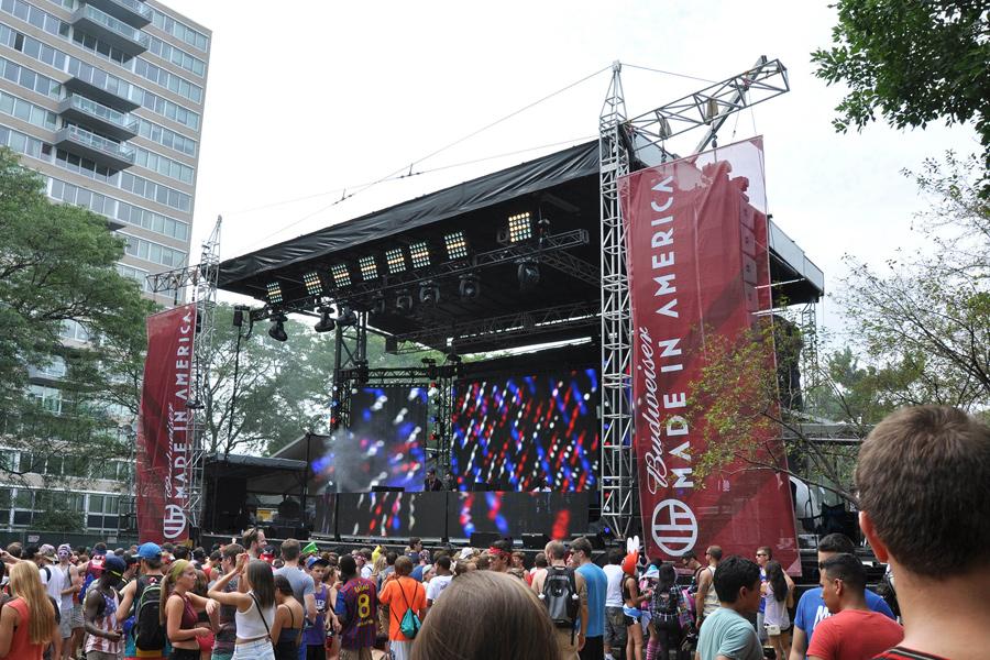 Philadelphia, PA / SAM-550 Mobile Stage