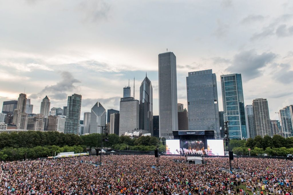 Chicago, IL / 2 x MTN Truss HD+ Stage Systems, Sound Wings, Camera Platforms, Floating VIP barges, Delay Towers, and Bridges