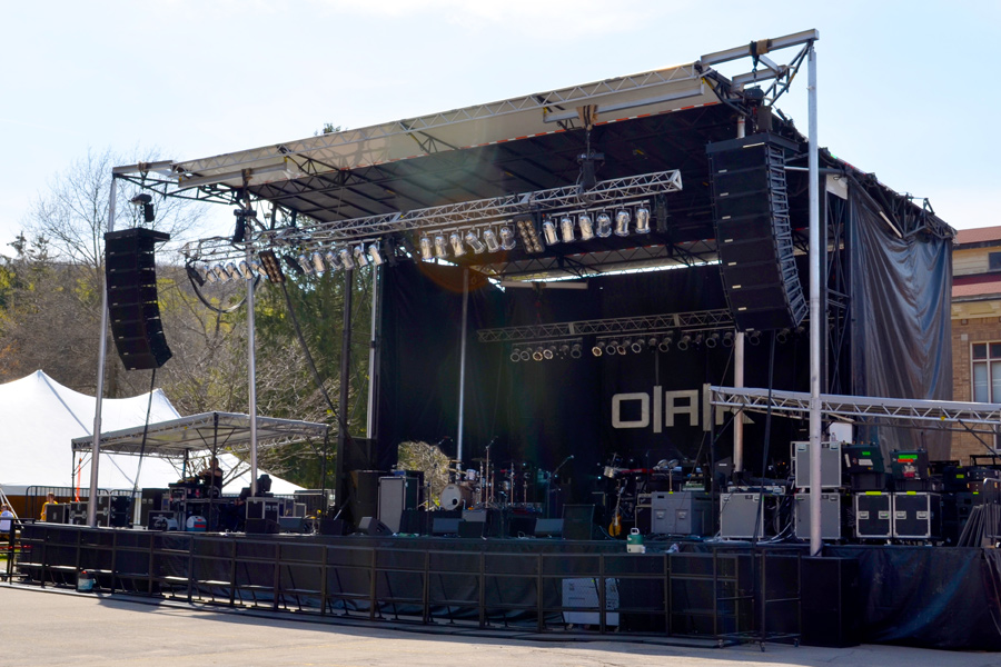 Alfred University, NY / SL-320 Mobile Stage