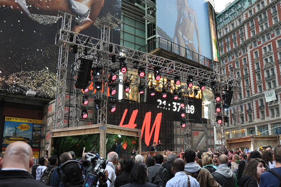 New York, NY / H&M Summer Collection DJ Show