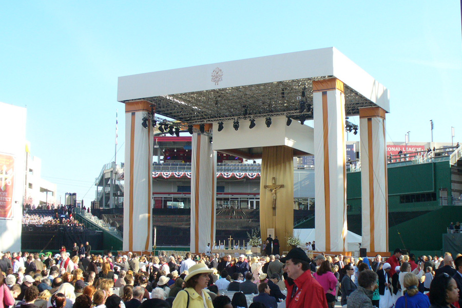 Washington, DC / Main Stage with Self Erecting Towers
