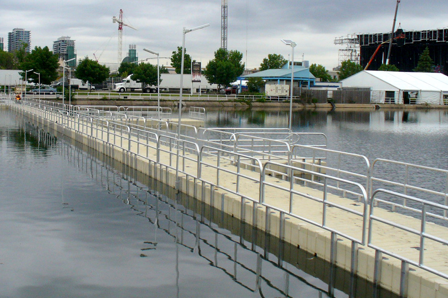 Toronto, Ontario / Custom Floating Bridge with Handrail