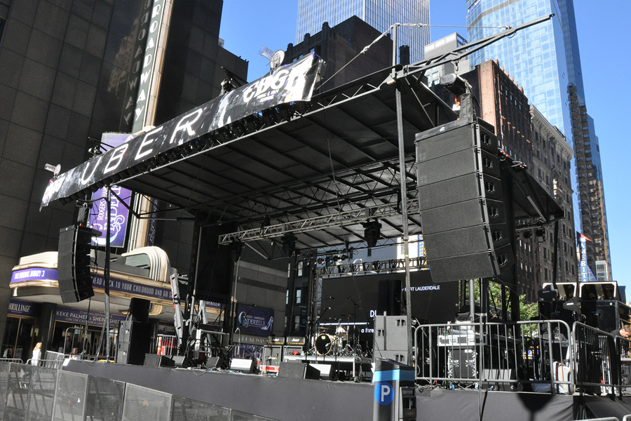 Times Square, NY / SL-250 Mobile Stage
