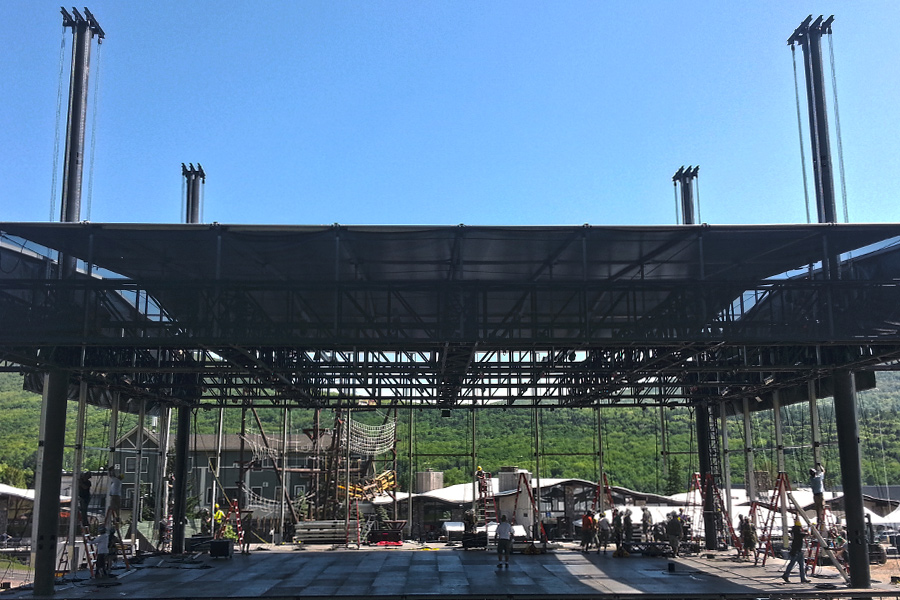 Hunter, NY / Flying the Roof, 4 Post Mountain Truss System