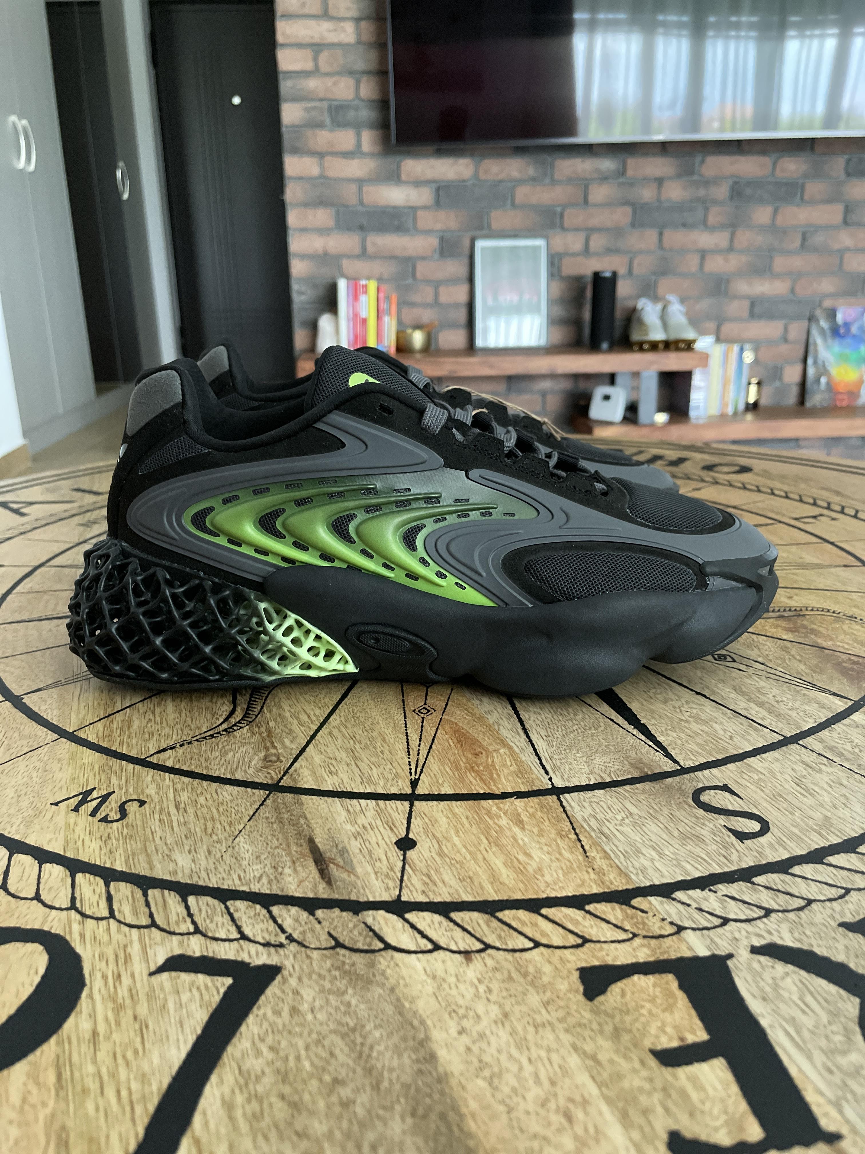 Adidas - $600 - Size 9