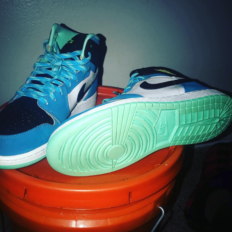 Air Jordan - $60 - Size 6.5