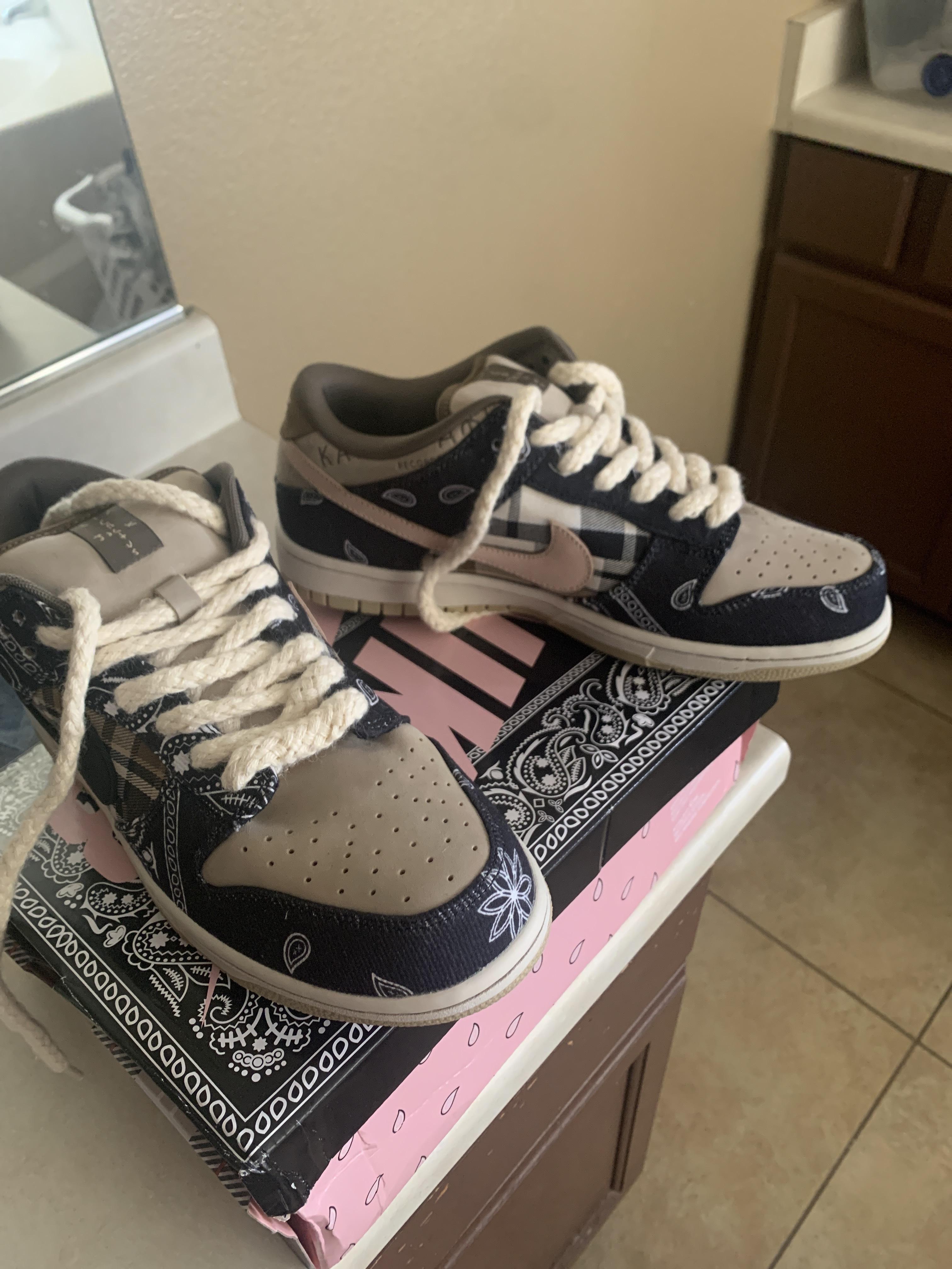 Nike - $800 - Size 11