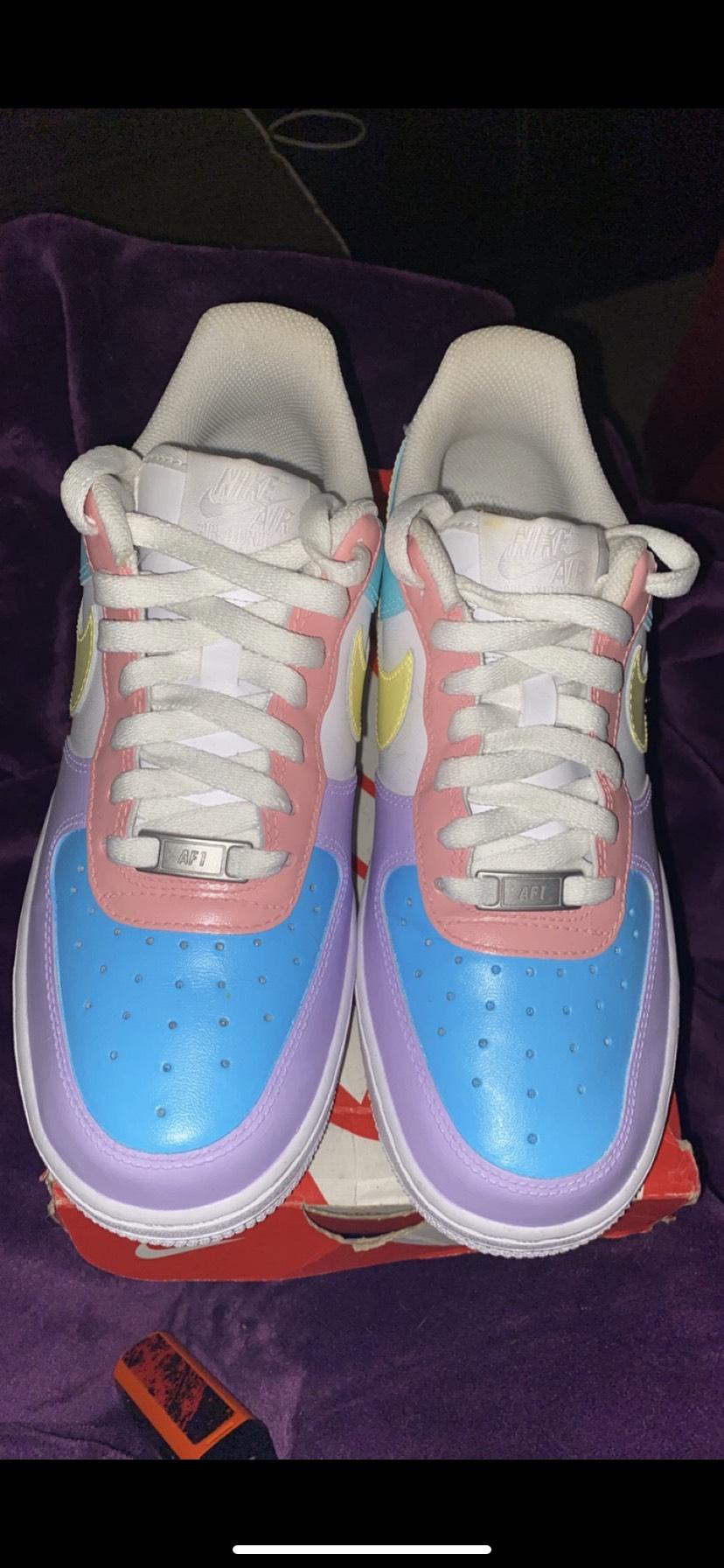 Nike - $160 - Size 8