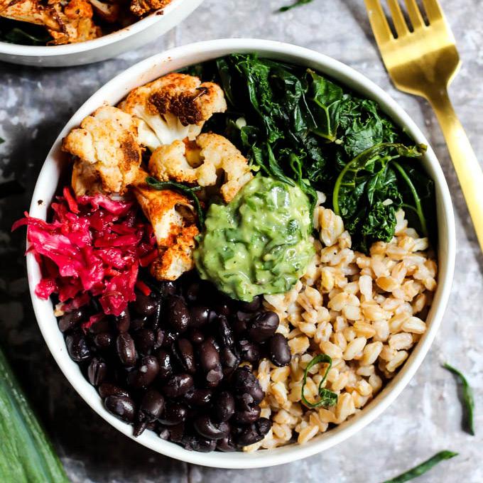 Black Bean Buddha Bowl With Avocado Pesto – Emilie Eats