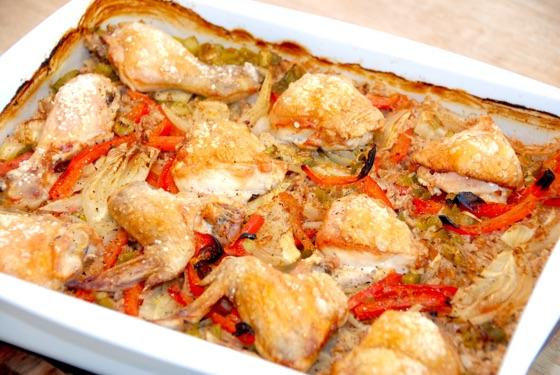 Kylling I Fad Med Grøntsager Og Perlespelt