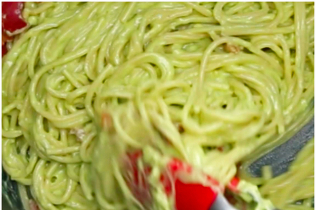 Avocado Carbonara Is So Perfect For A Quick Weeknight Dinner