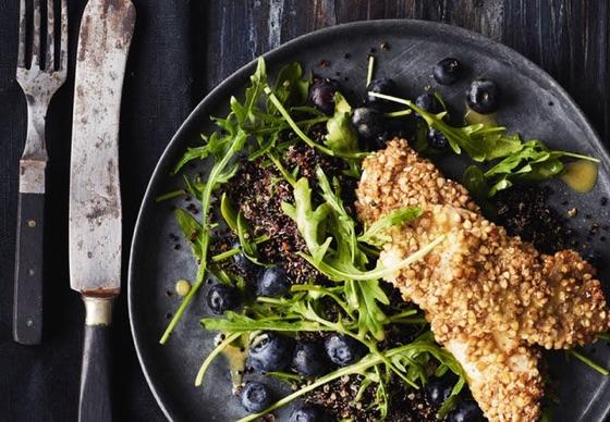 Low Carb: Paneret Kylling M Rucola-Salat