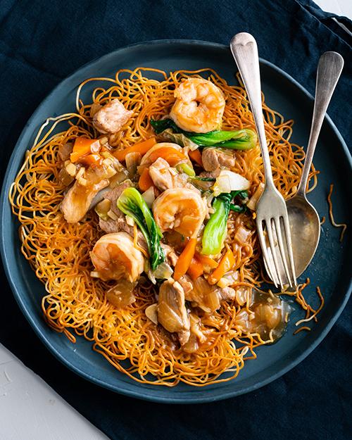 Crispy Noodles With Pork & Prawn
