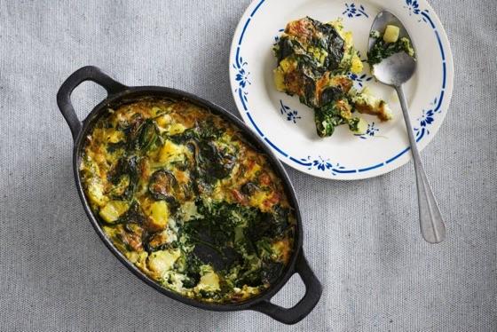 Frittata met ui, spinazie en gruyère