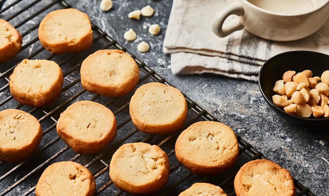 Keto Macadamia & Chocolate Shortbread Cookies