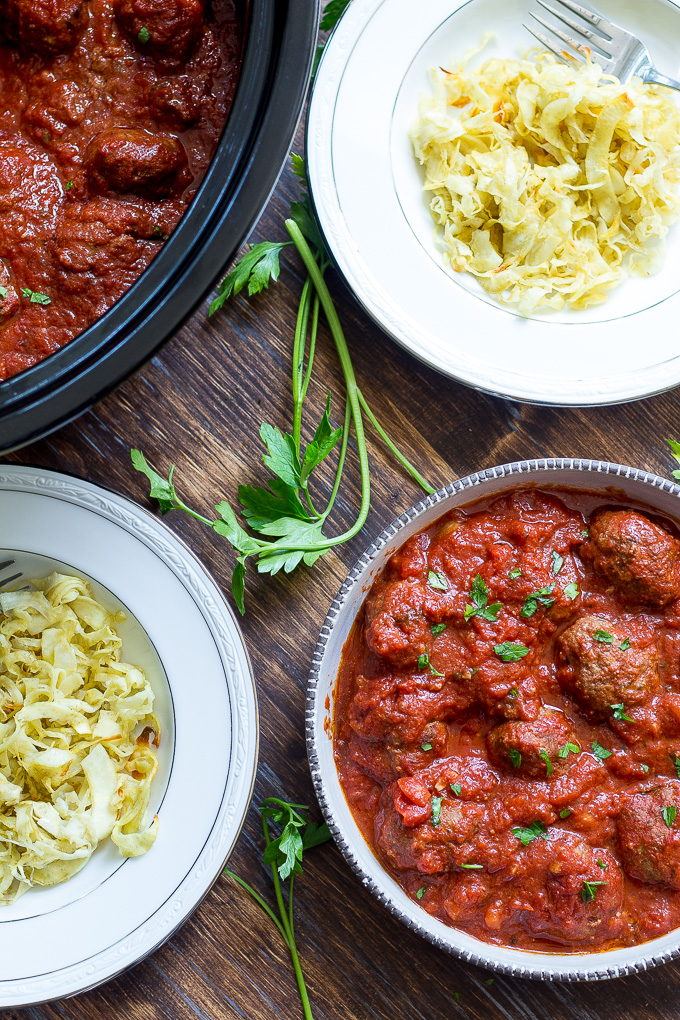 Paleo Slow Cooker Meatballs In Marinara Sauce {Whole30}