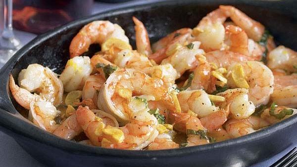 Garlicky Shrimp With Basil