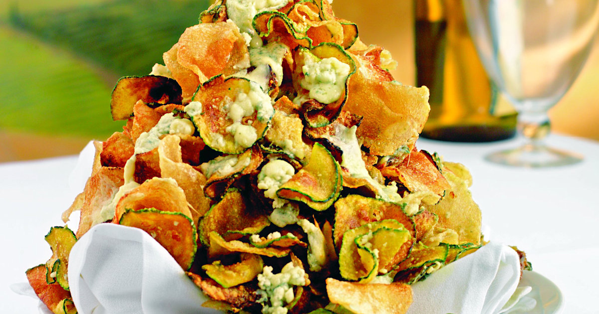 Potato And Zucchini Chips With Gorgonzola Cheese For An Addicting Snack