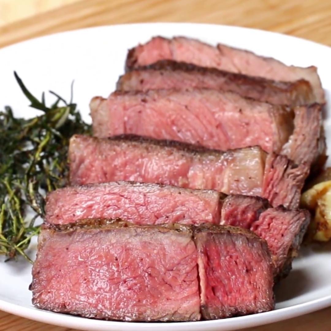 Steak With Garlic Butter