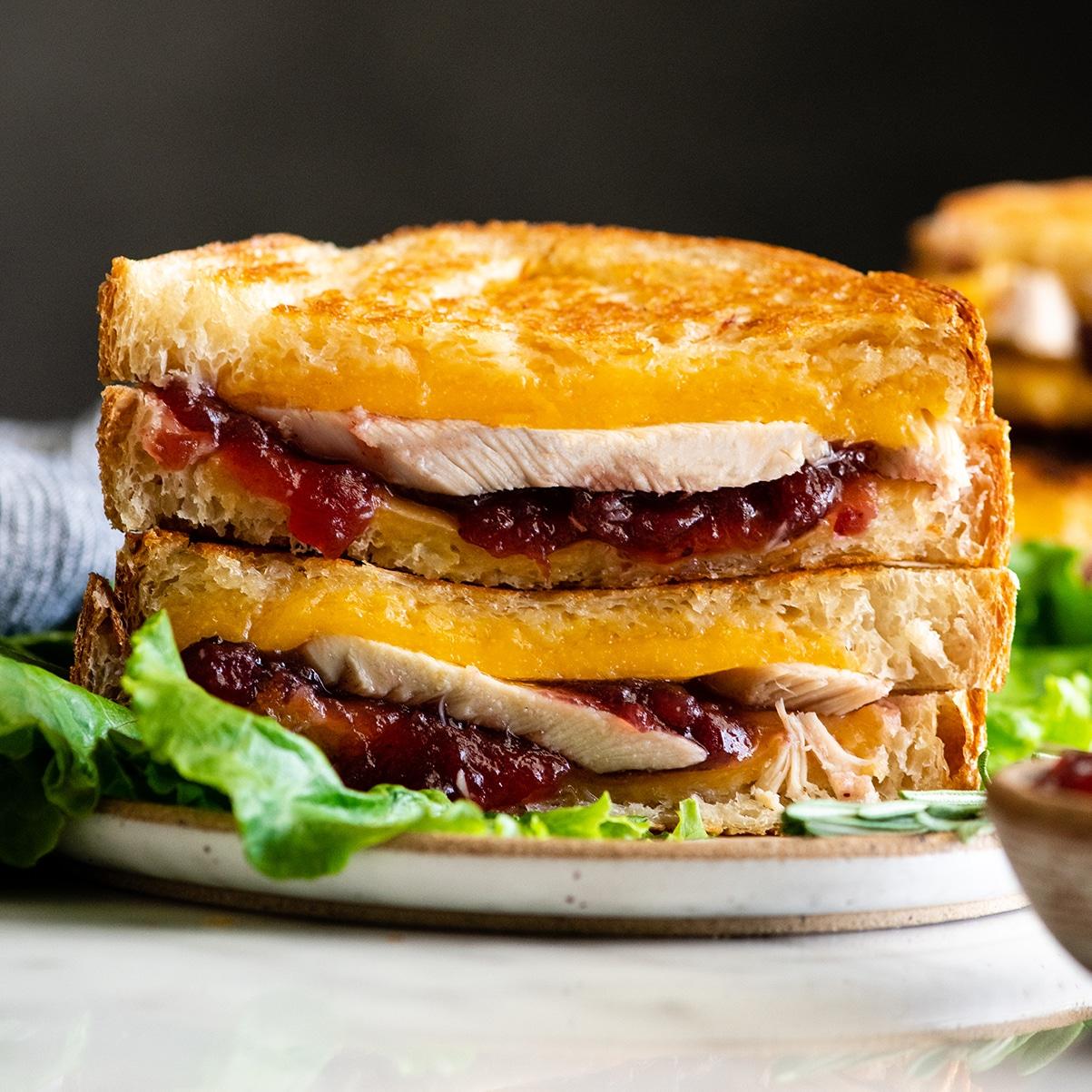 Turkey Cranberry Sandwich (Thanksgiving Sandwich)