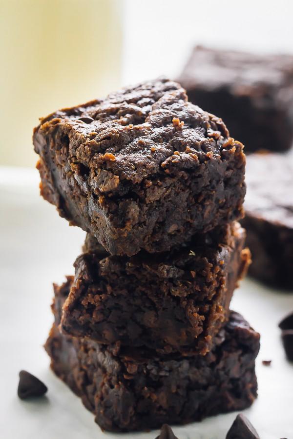 Vegan Brownies (Fudgy, Chewy, Chocolate-y) + Video