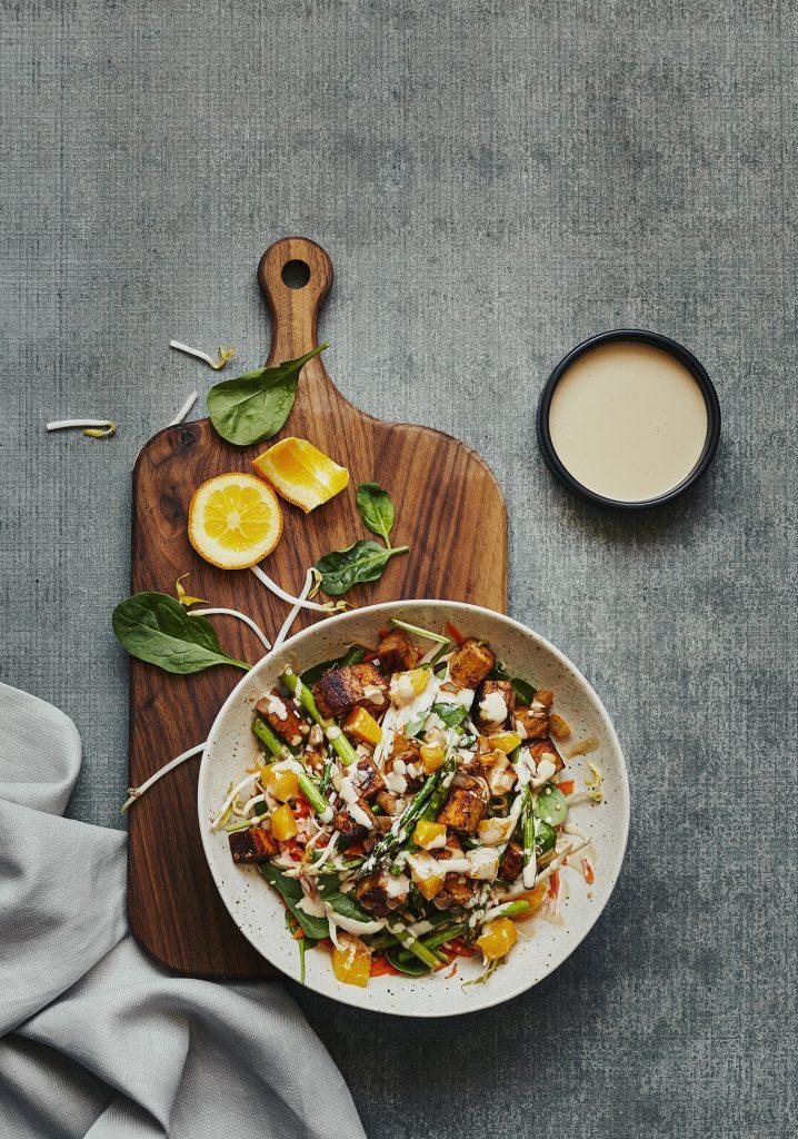 Salade asiatique tiède au tofu & aux légumes - Trois fois par jour