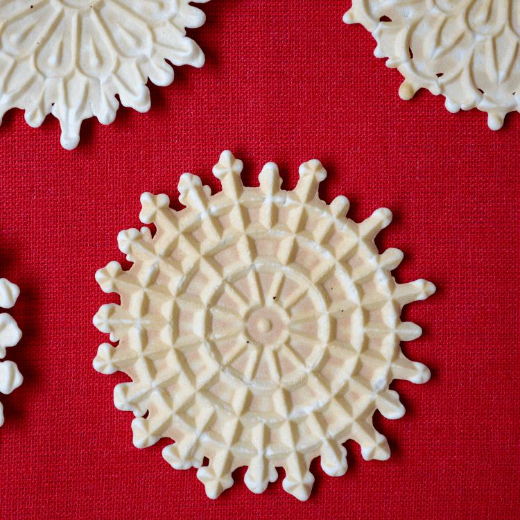 Pizzelle Della Nonna: A Classic Italian Cookie!