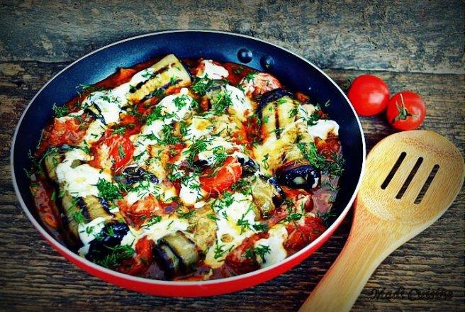 reteteculinare.ro Carte de bucate Mancaruri cu legume si zarzavaturi Rulouri de vinete in sos de rosii cu usturoi